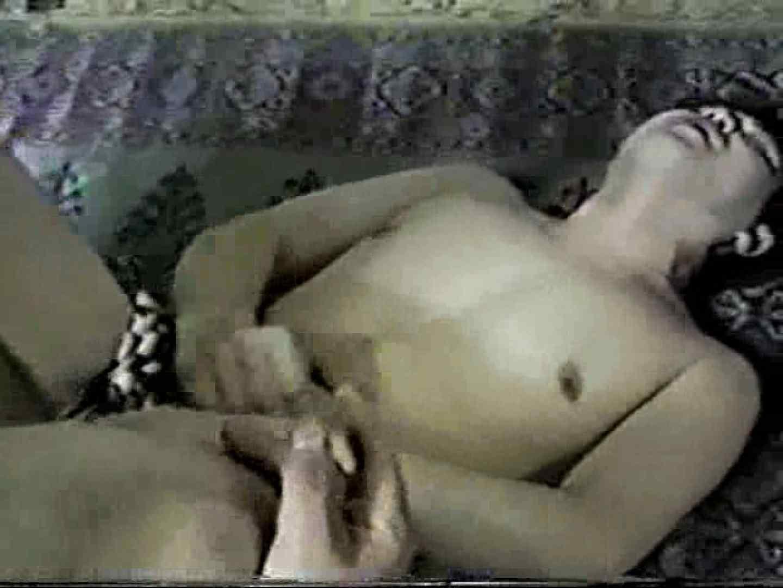 ゲームオタク青年と我慢できずにムズムズする中年おっさん。 手コキ ゲイSEX画像 10画像 3