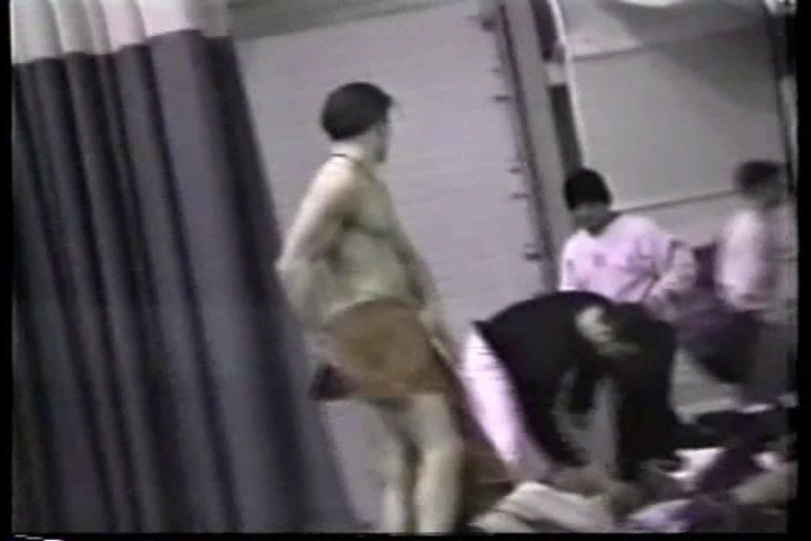洋人さんの脱衣所を覗いてみました。VOL.5 完全無修正で! 尻マンコ画像 12画像 2