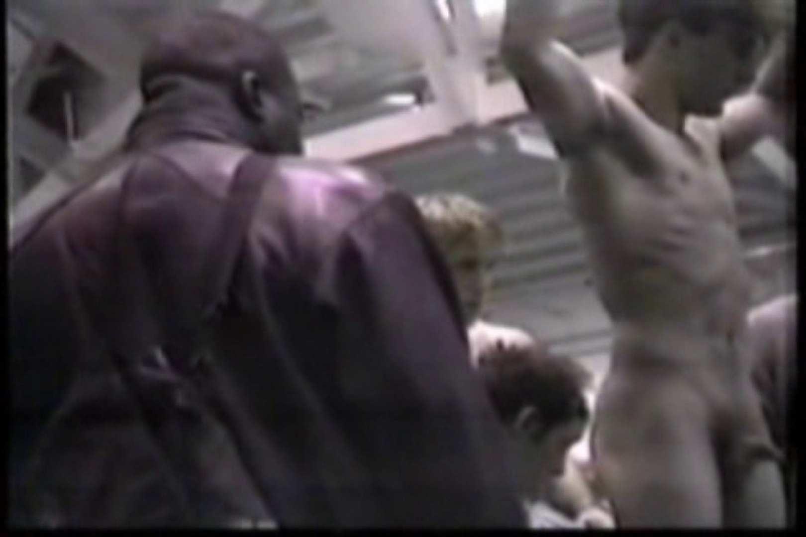 洋人さんの脱衣所を覗いてみました。VOL.8 ガチムチマッチョ系メンズ | 覗き特集  13画像 9